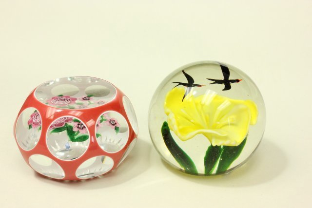10 Floral Paperweights - 2