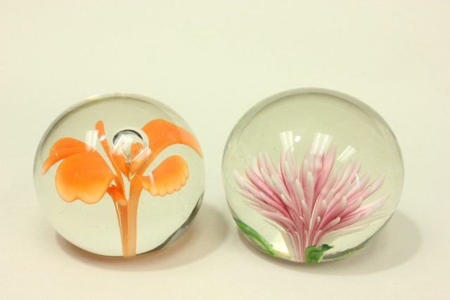 10 Floral Paperweights - 4