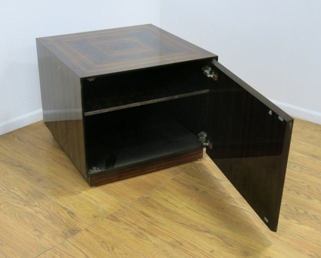 :Modern Rosewood Cabinet