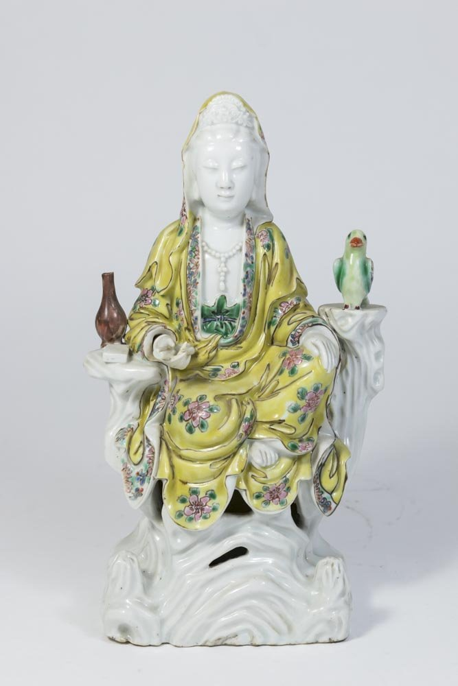 Chinese Porcelain Figure of Guan Yin - 6