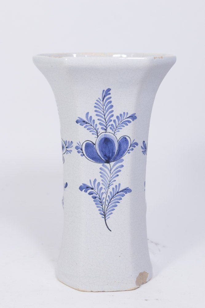 Suite of 5 Delft Covered Urns & Vases - 6