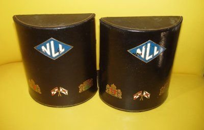 622: PAIR BLACK LEATHER BOOKENDS