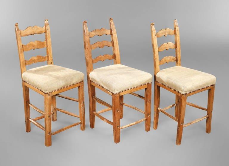 Drei alpenländische Stühle