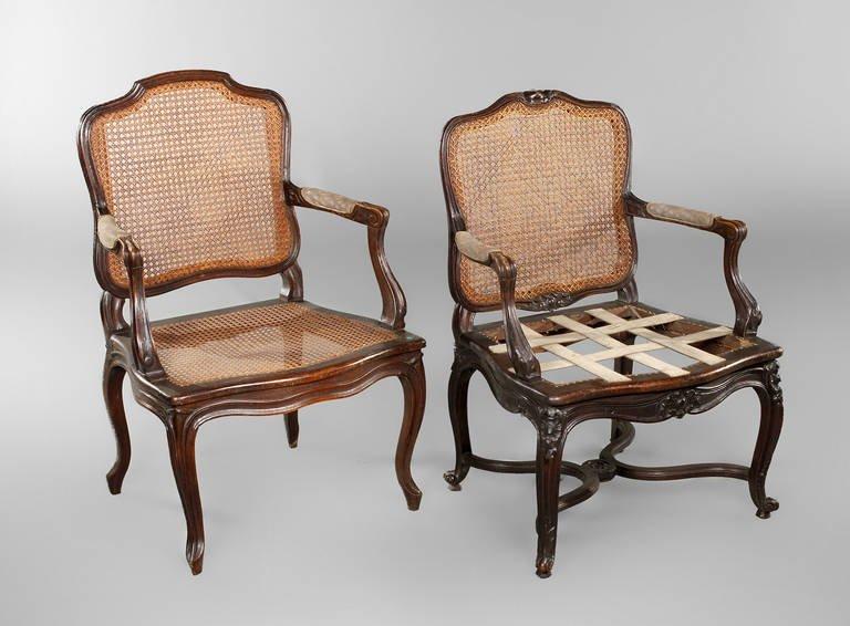 Zwei barocke Armlehnsessel
