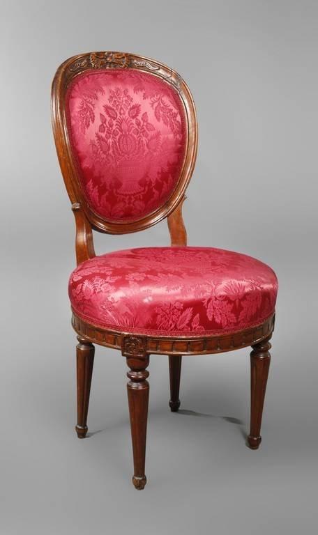Stuhl aus einer Prager Villa