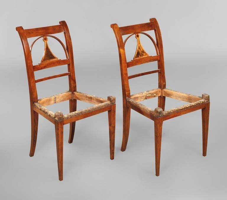 Paar klassizistische Stühle