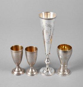 Vier Wodkabecher Silber