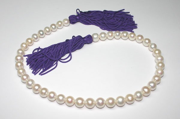 4014: 16 INCHS   10 mm  NATURAL  WHITE PEARLS.