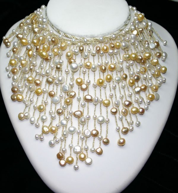 5005: NATURAL  FRESH WATER  PEARL NECKLACE.