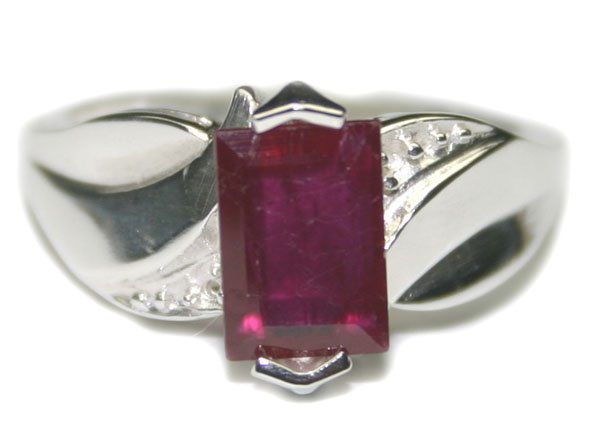 3007: 2.CT NATURAL RUBY  SILVER  RING .