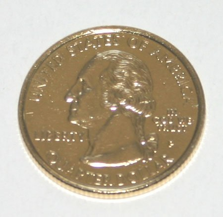 4022: COMMEMORATIVE  PRESIDENTIAL COIN 18KT GOLD LAYERE