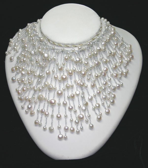 1021: NATURAL  FRESH WATER  PEARL NECKLACE.