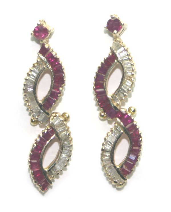 3002: 4 CT DIAMOND & RUBY 14KT GOLD EARRINGS.