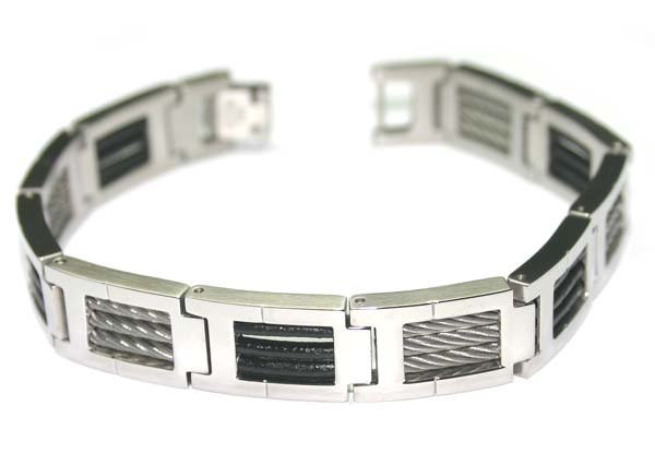 5001: STAINLESS STEEL W/WIRE MAN'S BRACELET.
