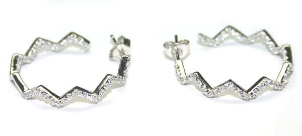 5012: 1.CT LAB W, SAPPH  SILVER  EARRINGS.