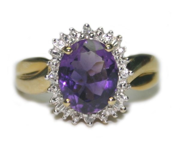 4004: 3.CT DIA & AMETHYST  2.70  GR 10K GOLD RING .