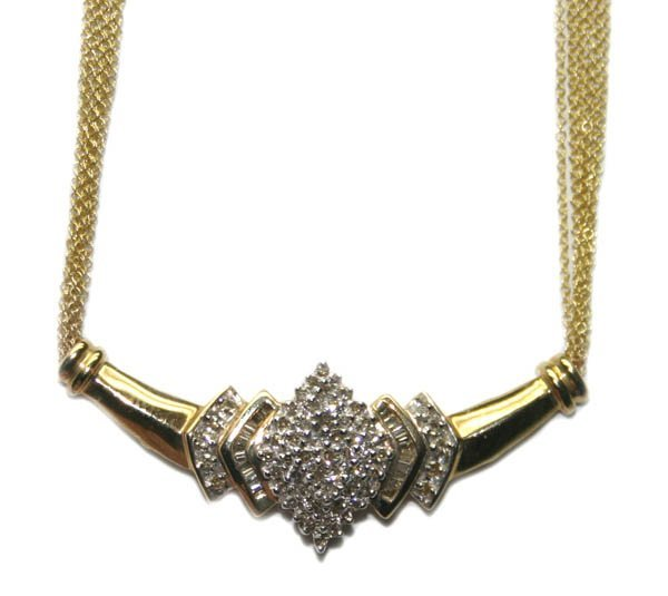 2012: 2,CT DIAMOND 15.70 GR 14KT GOLD NECKLACE.