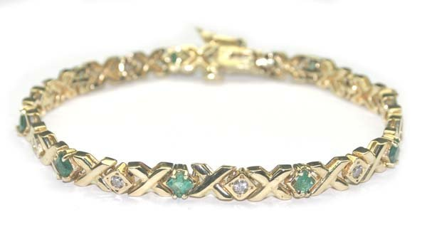 4017: 2.50 CT DIA & EMERALD 14.50 GR 14K GOLD BRACELET.