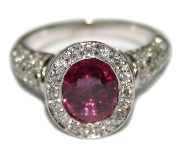 4663: 3, CT DIAMOND & RUBY 14KT GOLD RING 6.60 GR .