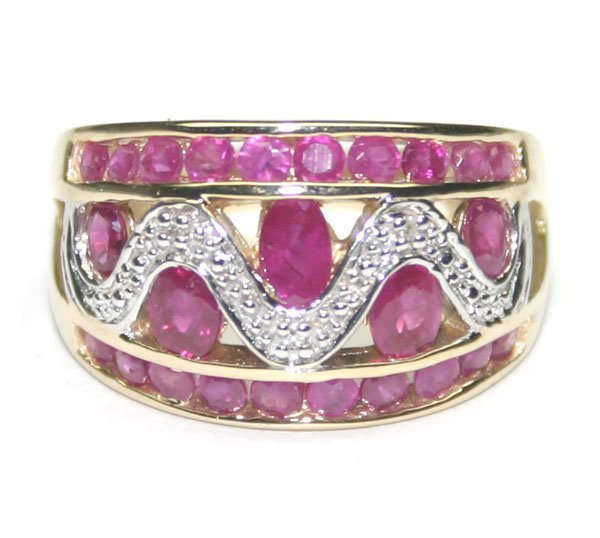 3016: 2,CT  RUBY & DIAMOND  GOLD  RING 4.90 GR .