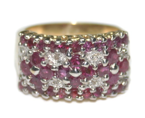 5019: 2,CT DIAMOND & RUBY 8.35 GR 14KT GOLD RING.