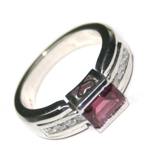 1497: 1.50 CT DIAMOND & TOURMALIN PLATINIUM RING ,