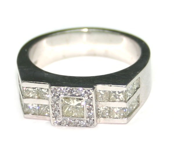 1489: 2.50 CT DIAMOND 11.40 GR 14KT GOLD RING .