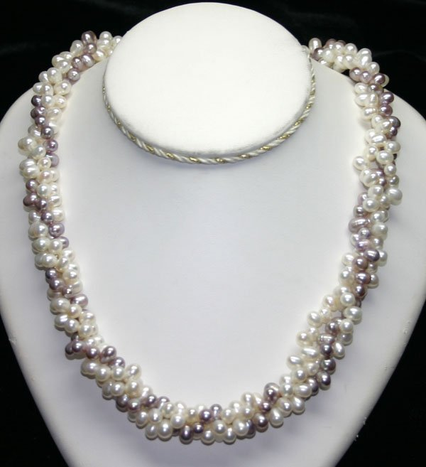 4026: 7mm  WHITE & PURPLE  NATURAL PEARLS NECKALCE 20''