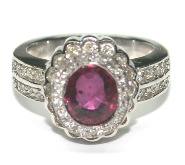 1016: 3.CT DIAM & RUBY 8.60 GR 14kt GOLD RING.