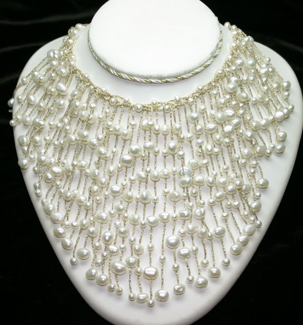 3007: NATURAL  FRESH WATER  PEARL NECKLACE.