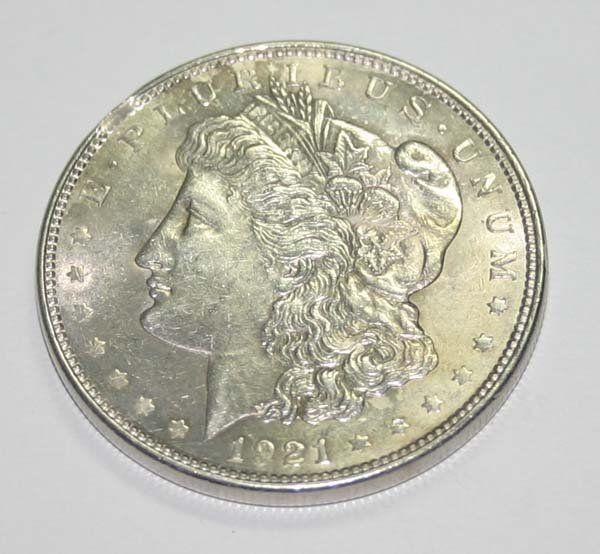 USA MORGAN SILVER DOLLAR COIN (YEAR 1921) .