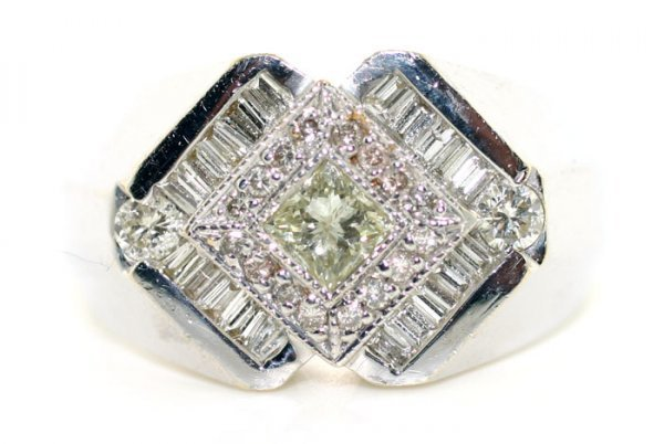 4744: 2.30 CT DIAMOND 11.5 GR 14K GOLD RING .