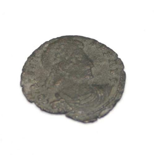 2014: ANCIENT  ROMAN BRONZE  COIN .