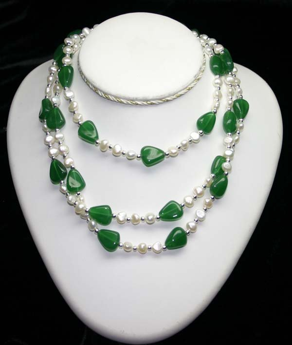 1024: 300.CT JADE  7mm PEARLS  & SILVER NECKLACE 50 INC