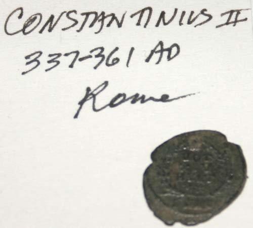2029: ANCIENT  ROMAN  BRONZE  COIN .