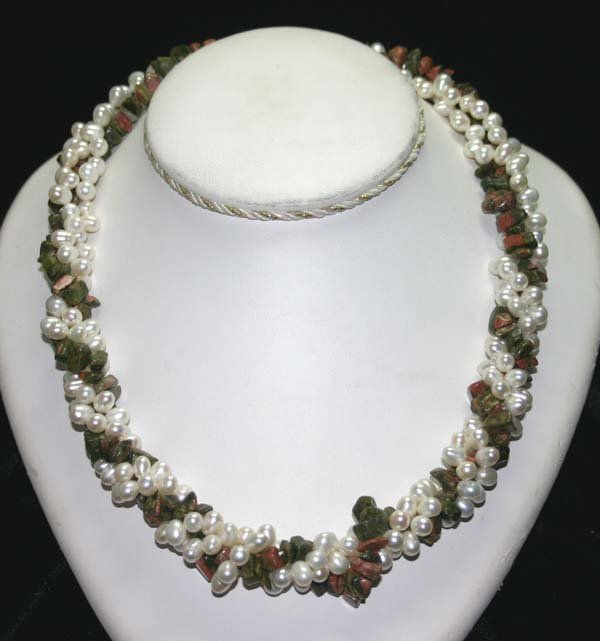 1023: 7x5 mm FRESH WATER PEARLS & CORAL NECKLACE .