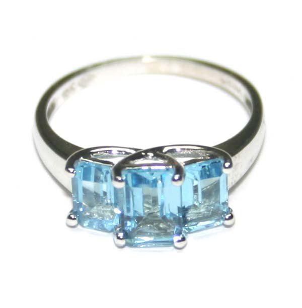 5003: 2,CT BLUE TOPAZ  10K GOLD  RING  .
