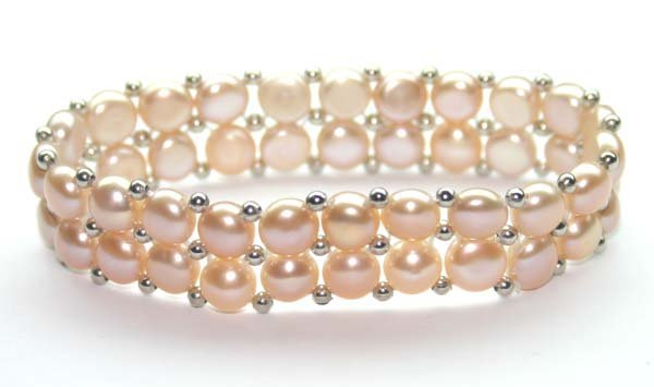 3005: 7MM FRESH WATER PEARL & SILVER BRACELET.