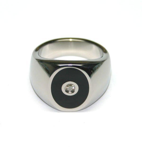 4013: TITANIUM  & DIAMOND  MAN'S  RING  SZ 10