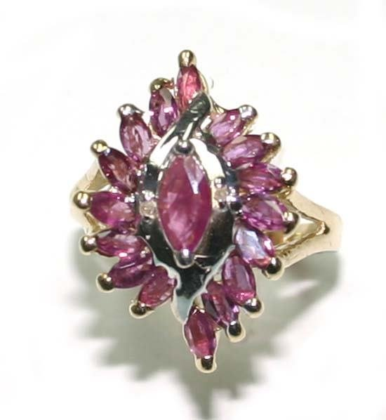 1005: 2.CT RUBY  10K  Y/G  RING.