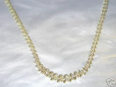 1079: 4 CT DIAMOND TENNIS NECKLACE