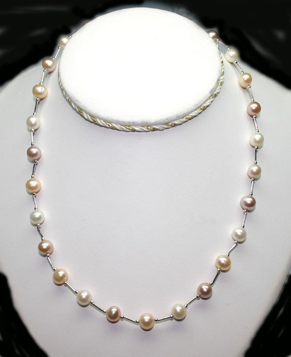 2024: 18 INCHS PINK PURPLE & WHITE PEARLS NECKLACE.