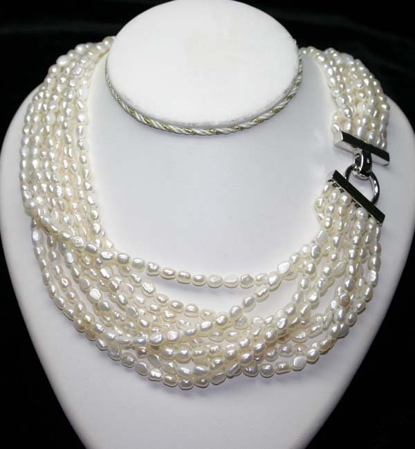 5022: 22  INCHS  FRESH WATER  PEARL  NECKLACE WITH SILV