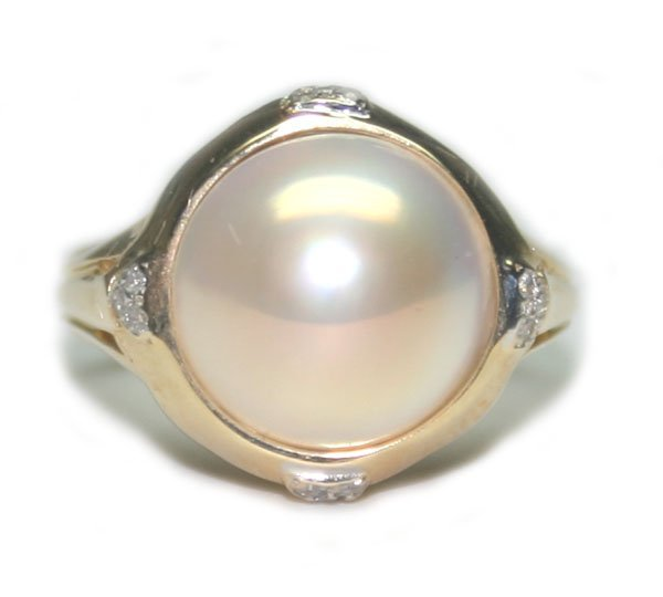 1020: 12mm PEARL & DIA  4.12 GR  14K  GOLD RING.
