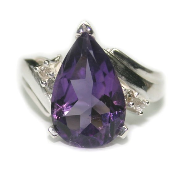 4009: 3.50 CT NATURAL   DIA & AMETHYST SILVER RING.