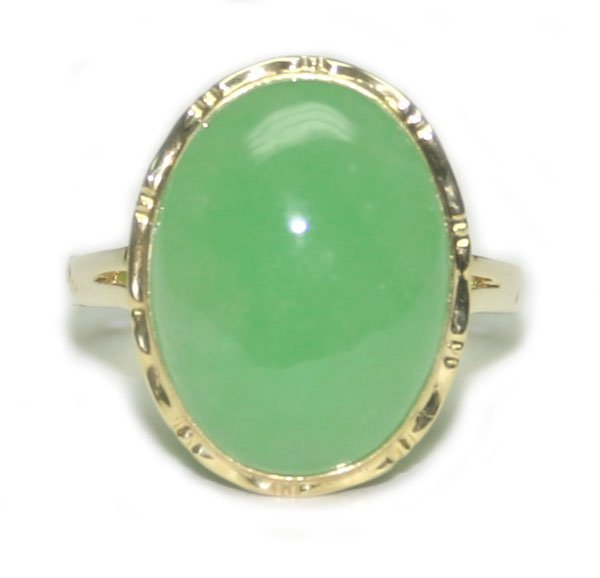 4010: 17 mm JADE, 14K  GOLD  RING .