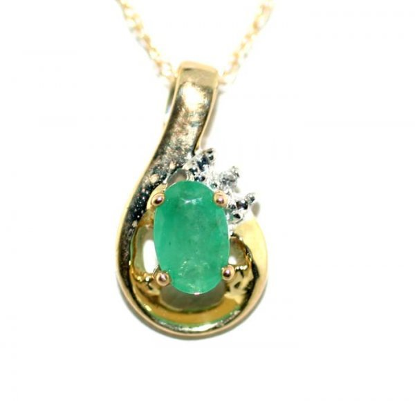 5014: 1 CT DIA AND EMERALD GOLD PENDANT