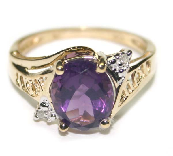 3000: 3.CT  DIA &  AMETHYST  2.50GR  10K GOLD RING.
