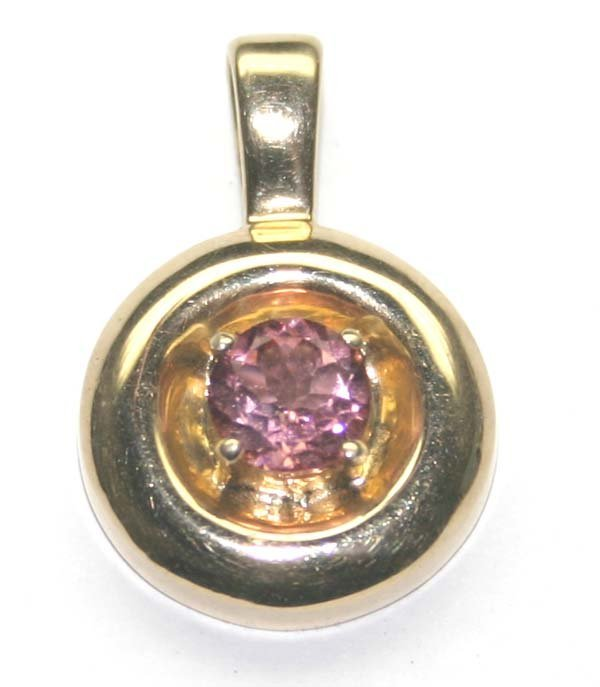 3013: 1.20 CT TOURMALINE  4.40 GR 10K GOLD PENDANT.