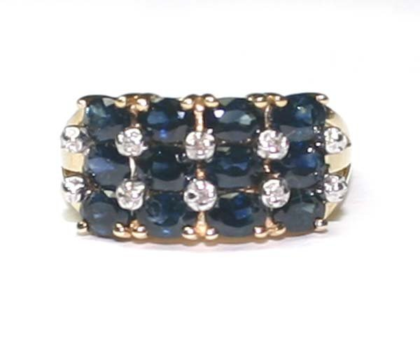 5023: 5.CT SAPPHIRE & DIA 3.90 GR  10K  GOLD RING.